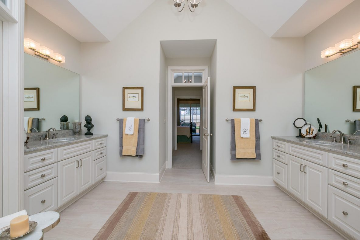 110 Sterling Grove Cir Aiken-large-031-Owners Bathroom-1500x1000-72dpi